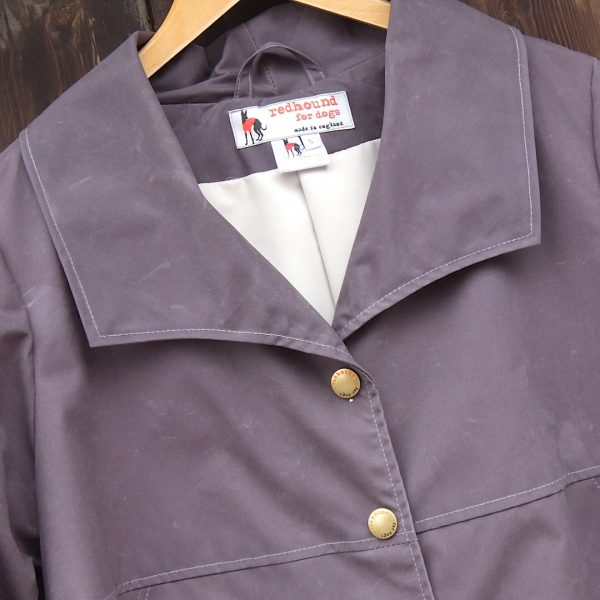 Malvern Coat in Solid Grey, Collar detail
